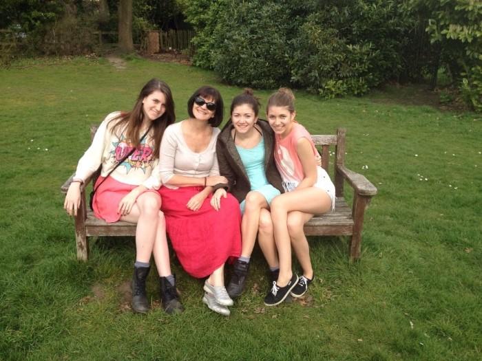 Joanna-Gordon-daughters